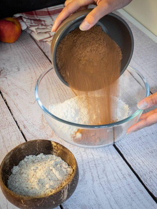 verser le sucre de coco